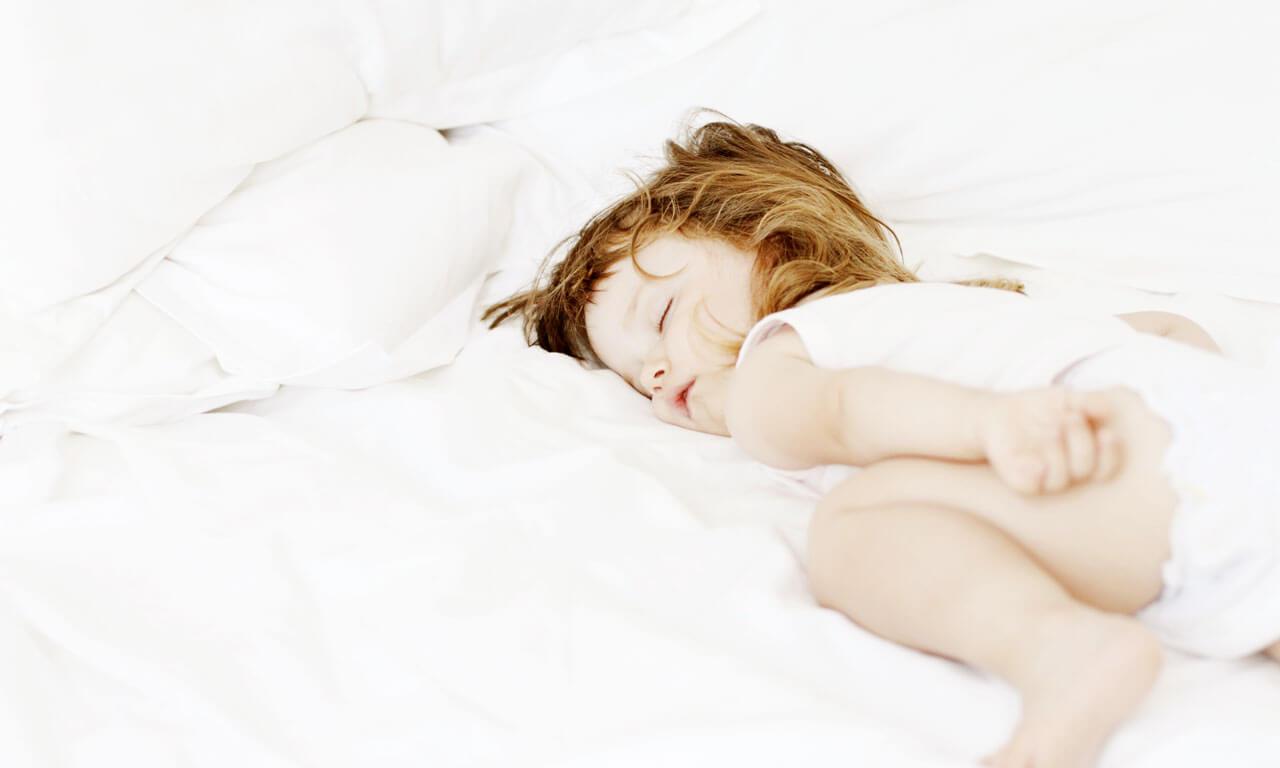 Так, например, предрасположенные к эпилепсии дети нередко во сне встают и ходят по комнате, могут передвигать легкую мебель, перекладывать вещи.